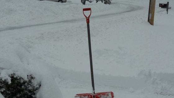 The Best Snow Pushers For Clearing Driveways And Sidewalks