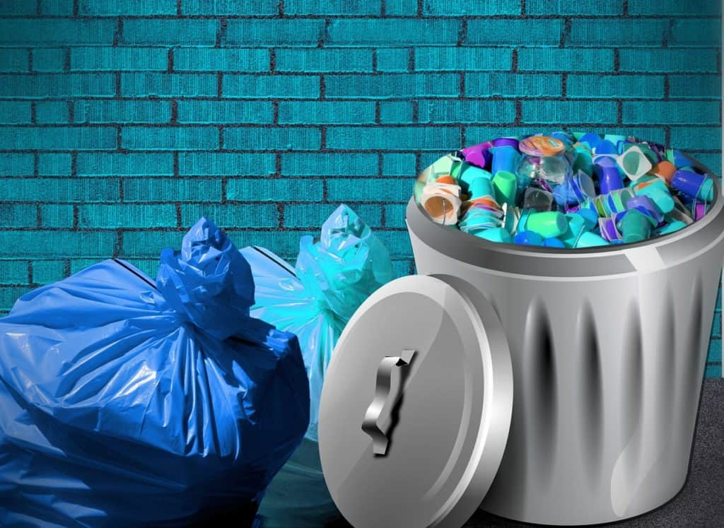 How To Keep A Garbage Can From Smelling In The Garage