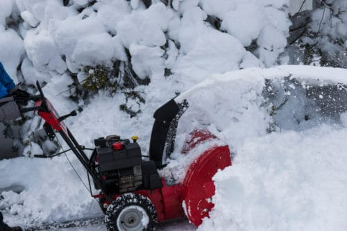 Do Snow Blowers Come With Oil?